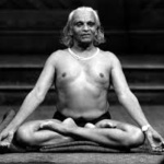 BKS Iyengar seated in lotus pose